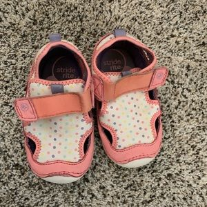 Girl summer Stride rite sandals. Pre-owned